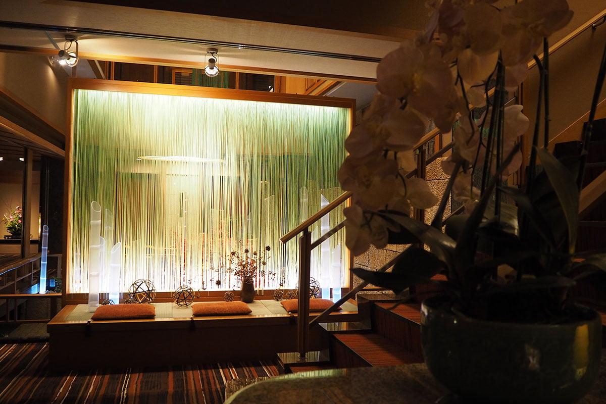 hotel lobby | Staying at Yumotokan Onsen Ryokan in Kyoto • The Petite Wanderess