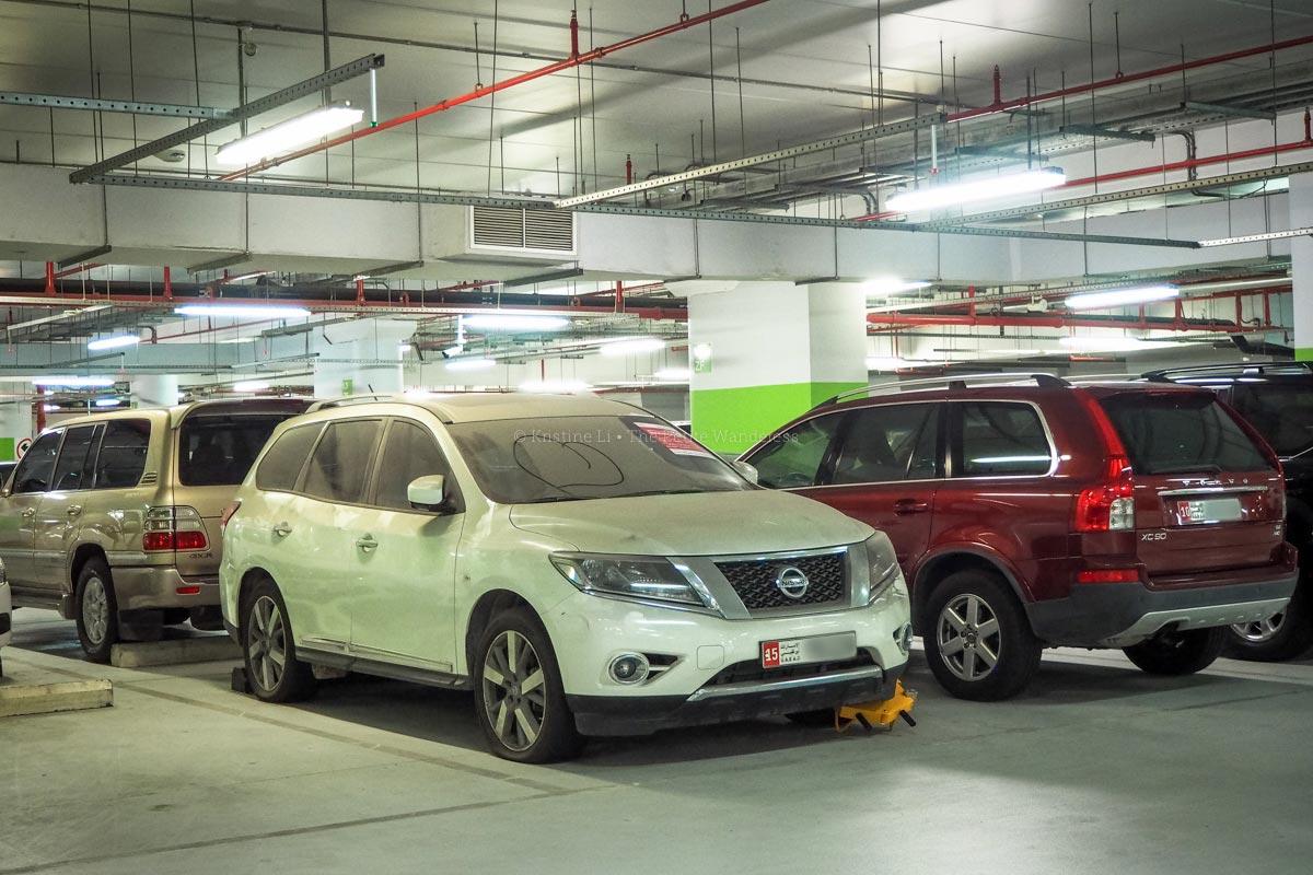 abandoned cars in Abu Dhabi • First impressions visiting Abu Dhabi